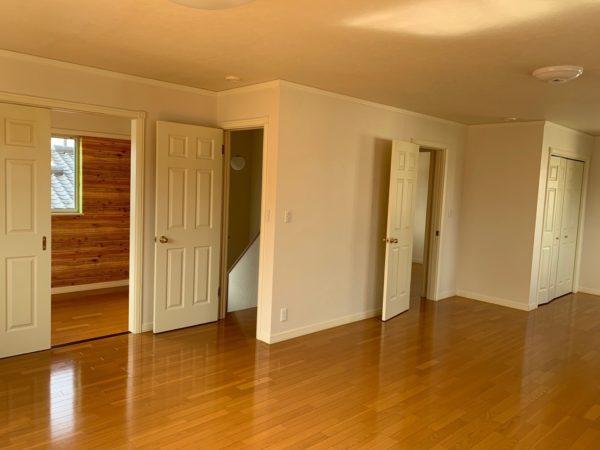 おしゃれなホワイト内装ドア
