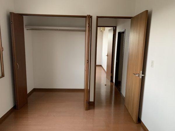 2階 洋室クローゼット収納あり