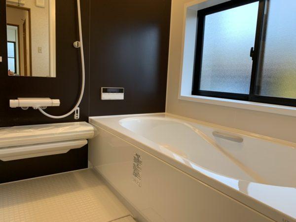 追い炊き機能付きのユニットバス1坪 新品のお風呂で一日の疲れもとれますね♪