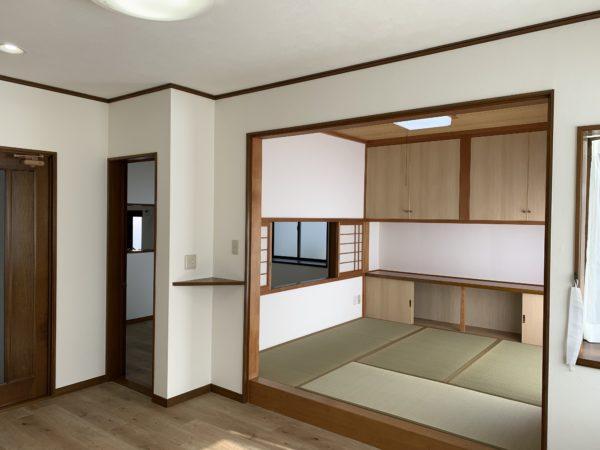 壁面収納付き和室リビング