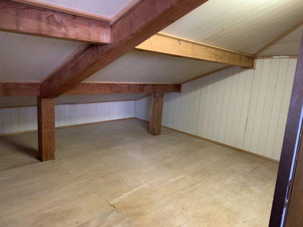 屋根裏収納部屋