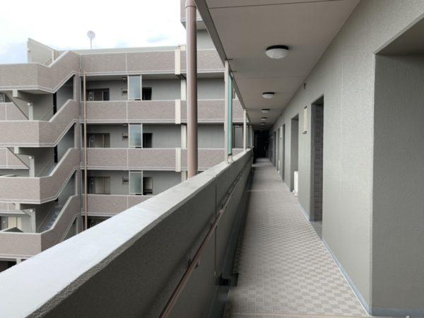 玄関前共有廊下