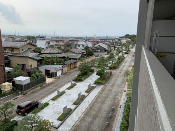 バルコニーから八丁道の眺め