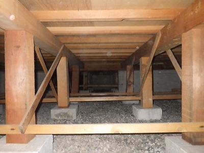 基礎高でカビ臭無し!大変綺麗な床下シロアリ防除保証5年つき