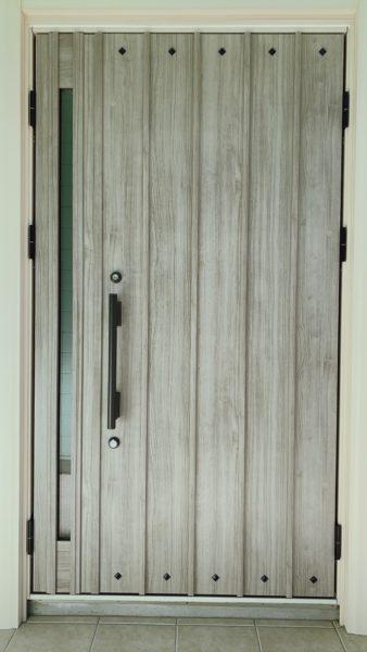 YKKapの玄関ドア新品